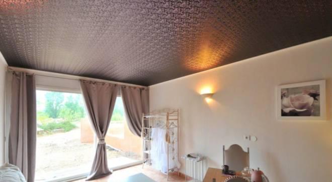 Натяжной потолок из ткани. Преимущества и недостатки