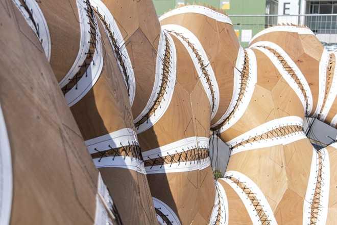 В Университете Штутгарта роботы построят павильон из дерева