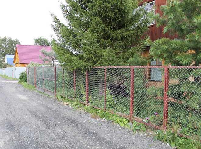 Забор для дачи из сетки рабицы секционный