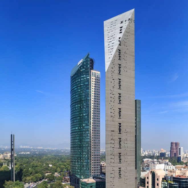 В Мехико обретает форму трехгранный 244-метровый небоскреб по проекту Arup