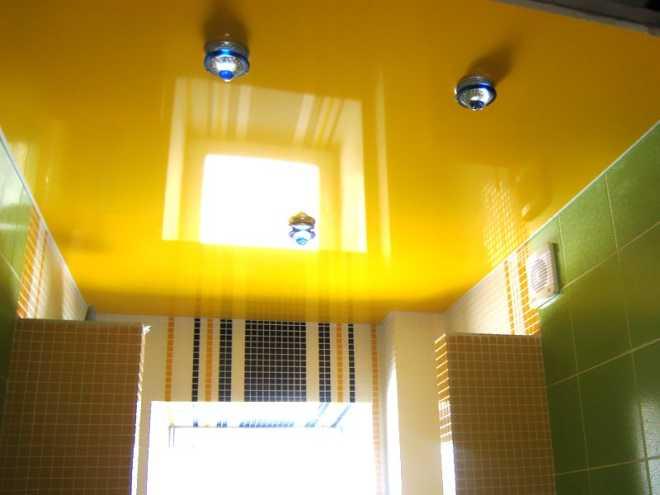Необычный желтый натяжной потолок