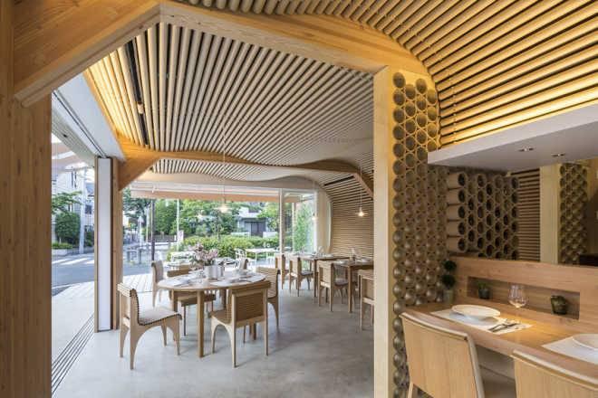 Ресторан Vin Sante и жилой дом