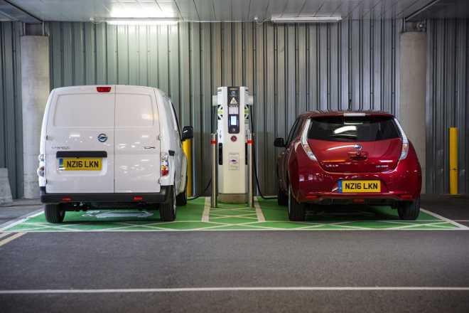 """Nissan: """"К 2020 году в Великобритании зарядных станций будет больше, чем заправочных"""""""