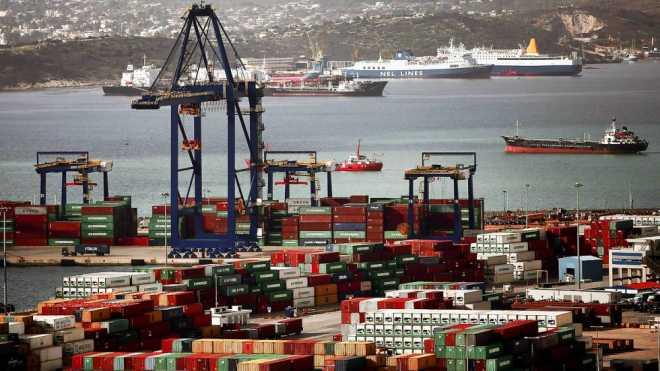 На этой неделе управление крупнейшим портом Греции перейдет к Китаю
