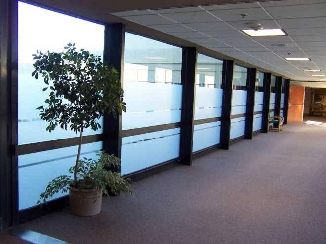 Польза тонировки стекол в офисе, виды тонировочной пленки