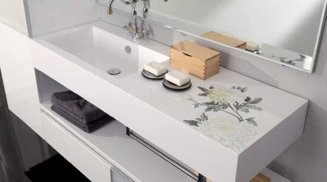 Встроенная литая раковина в ванной