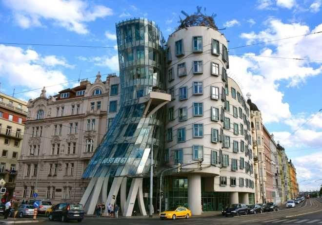 «Танцующий дом», Прага