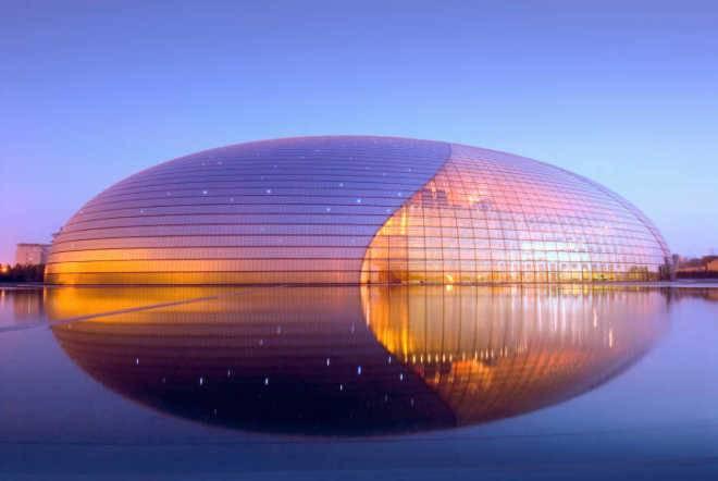 6 невероятно популярных зданий из стекла