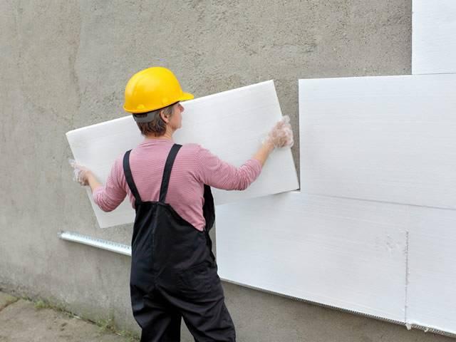 Как самостоятельно утеплить стены частного дома