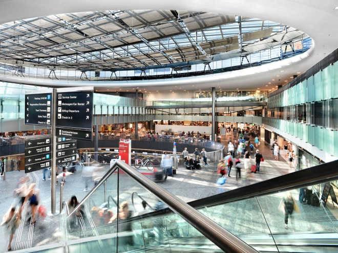 Аэропорт Цюриха, Швейцари