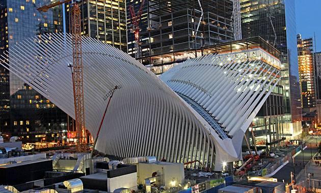 «Окулус» Сантьяго Калатравы открылся небу в день памяти жертв 11 сентября