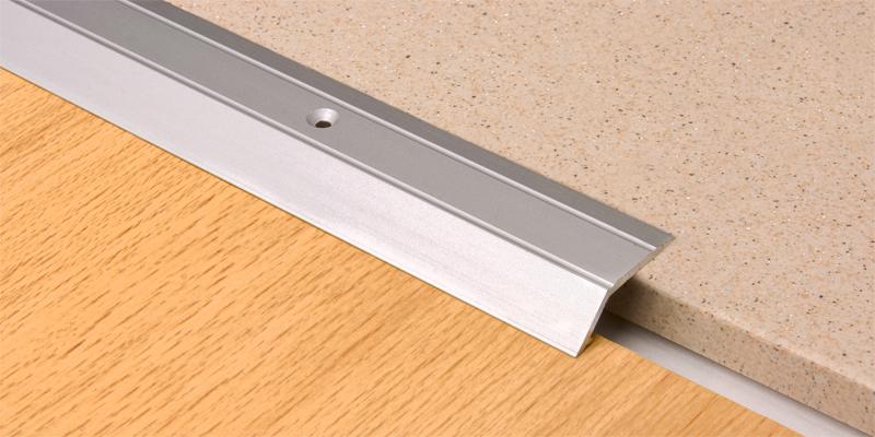 Алюминиевые пороги: особенности и виды креплений
