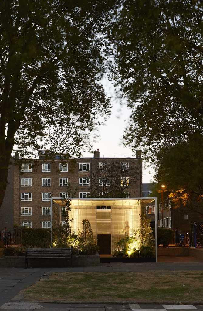 На Лондонском фестивале дизайна Асиф Хан исследует возможности «третьих мест» с помощью «жилых лесов MINI»