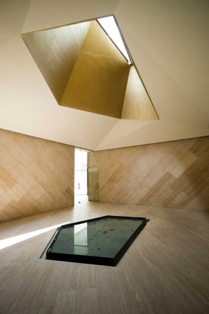pueblo-serena-church-moneo-brock-architecture-mexico-_dezeen_2364_col_3-1