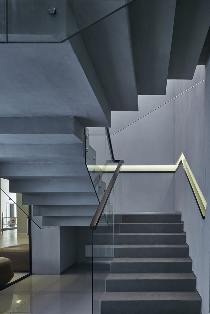 03_vox_clever_park_stairs_to_cafe_zone_01