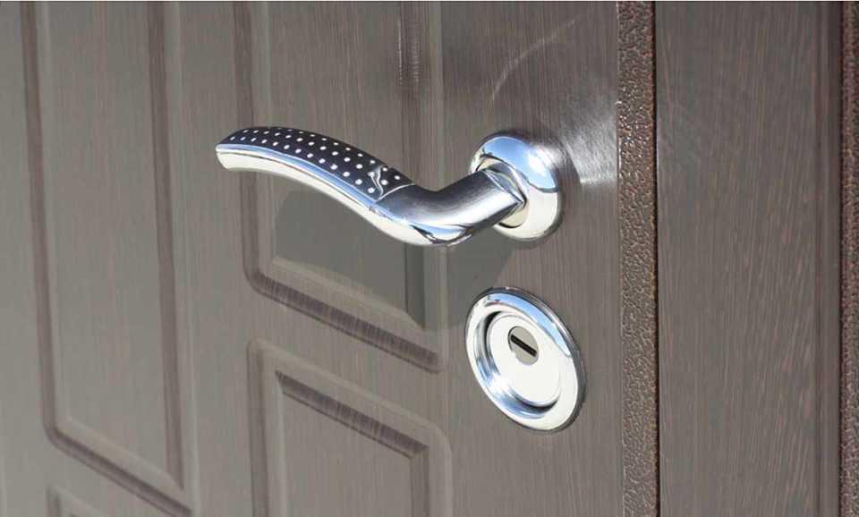 Замена замка в металлической двери: обзор замены основных видов замков