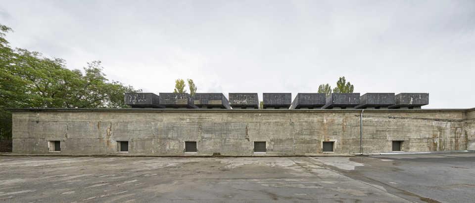 the-feuerle-collection-john-pawson-architecture-berlin_dezeen_2364_col_12