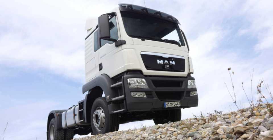 Импортные грузовики в строительстве