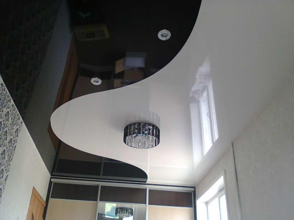 Конструктивные особенности натяжных потолков