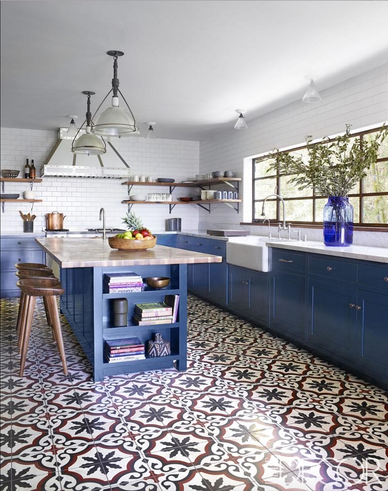 Цементная плитка ручной работы в облицовке кухни