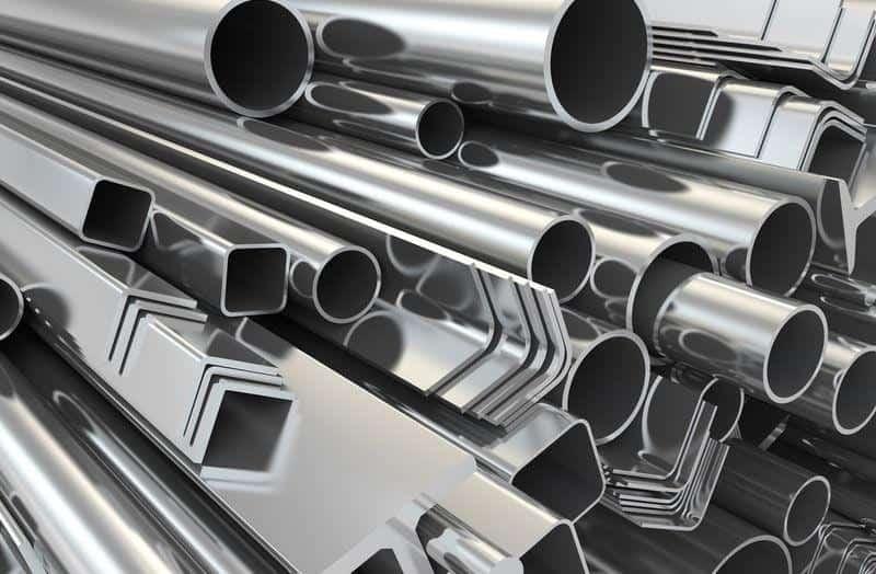 Использованием алюминиевого металла