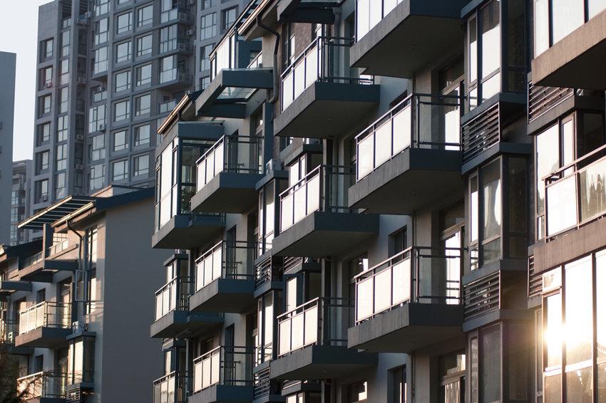 В России еще остались регионы, в которых цены на жилье не снижаются