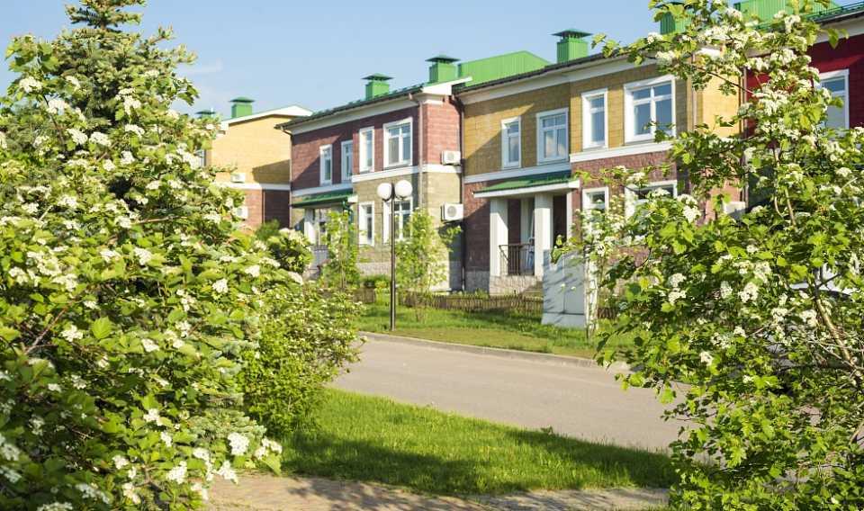 Что выбрать – квартиру или таунхаус?