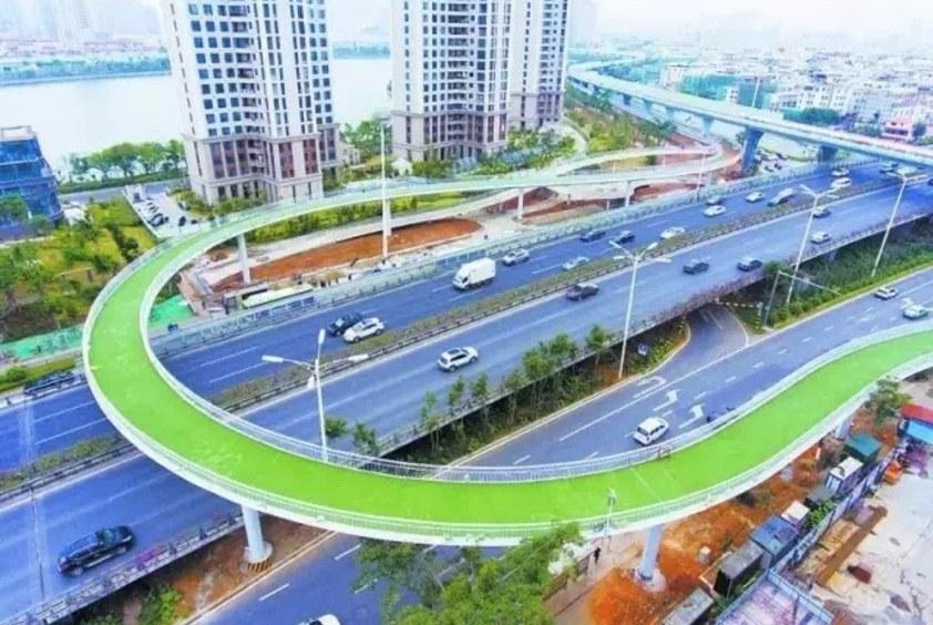 В Китае построена самая длинная в мире подвесная велодорожка
