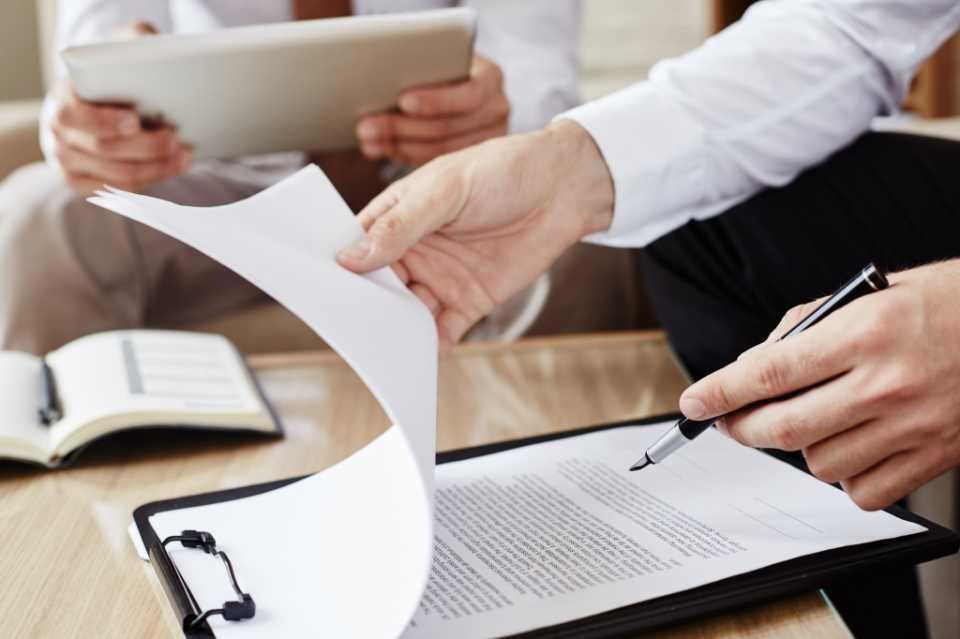 Как купить квартиру в новостройке по договору переуступки права