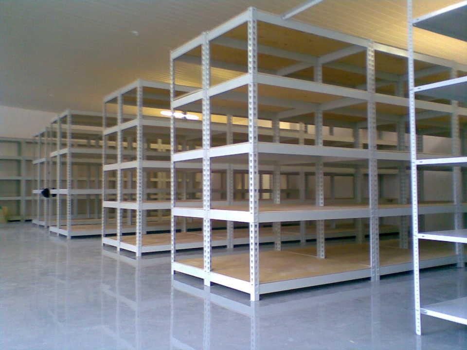 Сборные металлические стеллажи для наращивания складских площадей