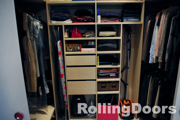 """Встроенные гардеробные от компании """"Роллингдорс"""""""