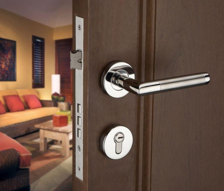 Особенности и возможности ремонта металлических дверей