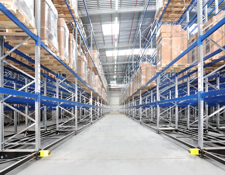 Роль конвейера в оборудовании склада