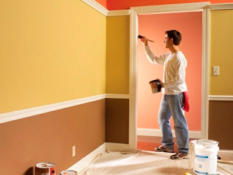 Как покрасить стены дома