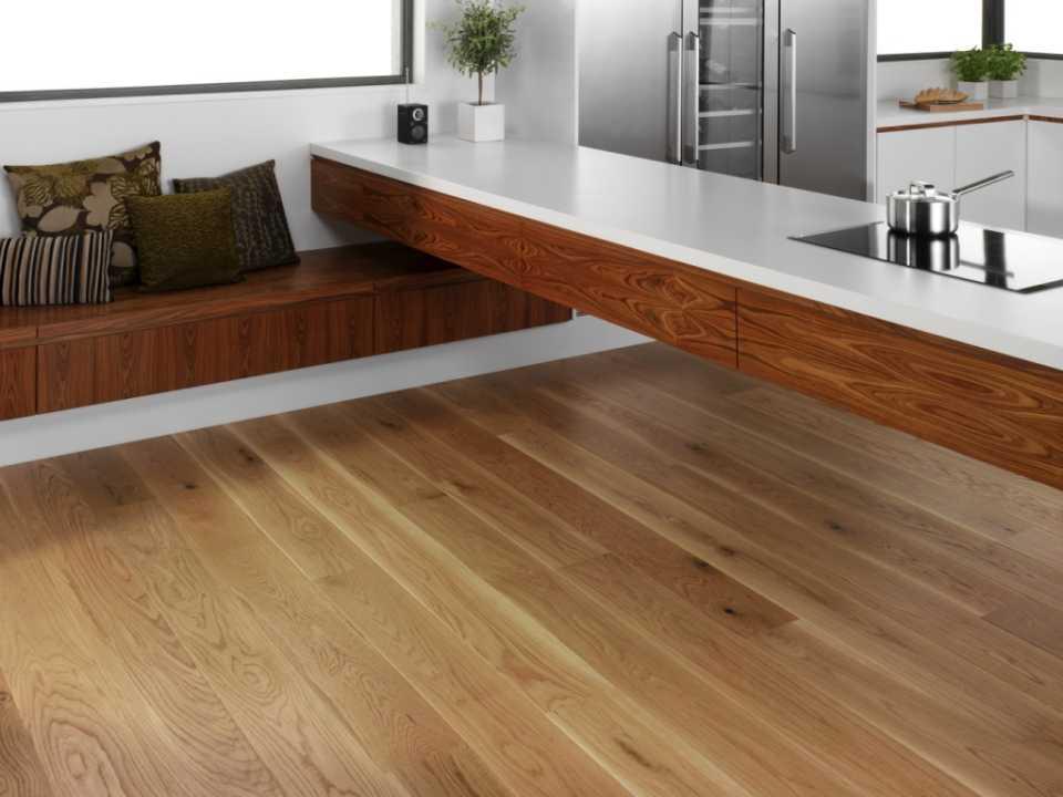 Чем лучше покрыть полы в квартире?