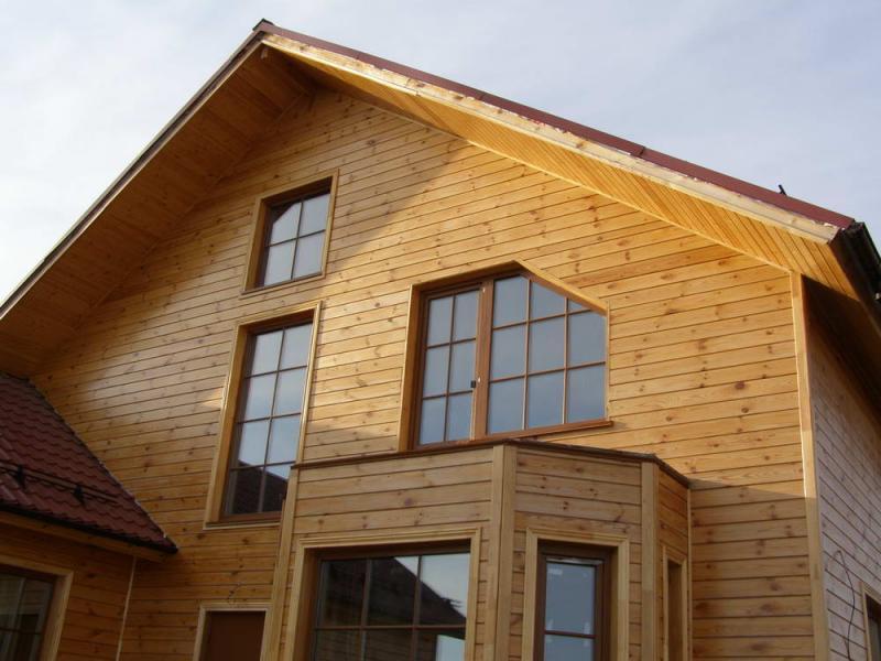Как обшить дом имитацией бруса?