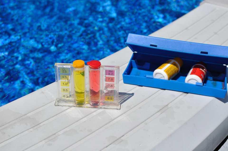Контроль за качеством воды в бассейне: разновидности систем