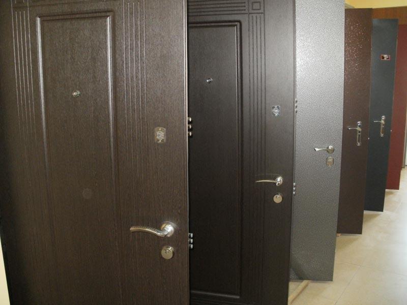 Бронированные двери: отличия и особенности
