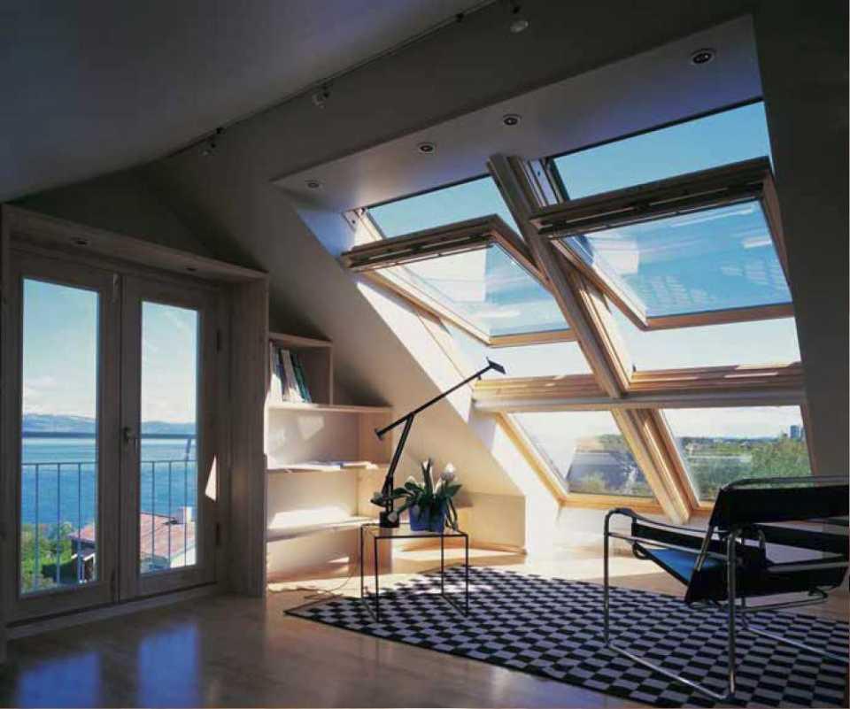 Мансардные окна Велюкс - особенности конструкции и преимущества