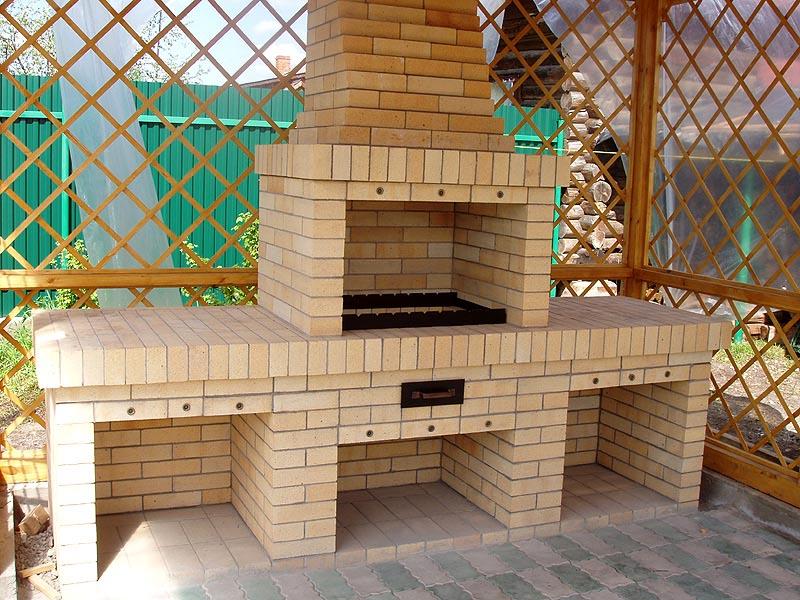 Как построить барбекю из кирпича в частном доме