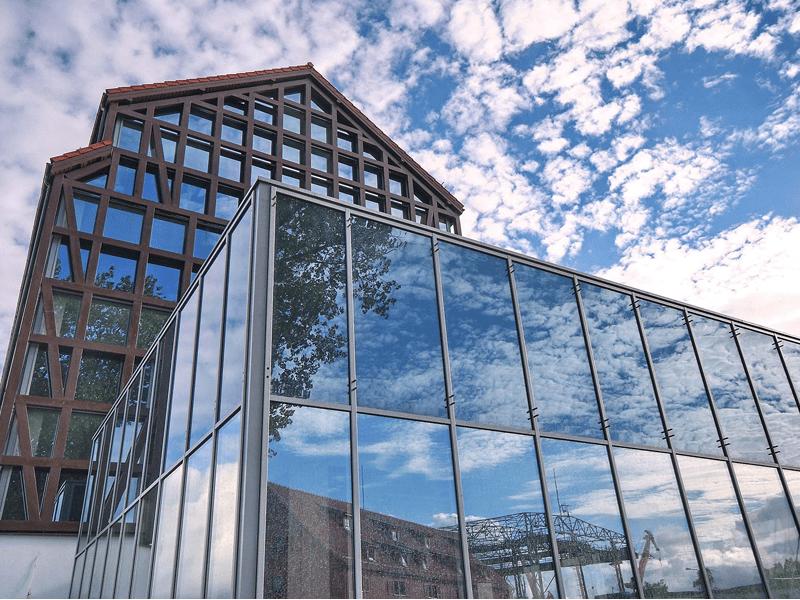 Виды и системы остекления фасадов зданий