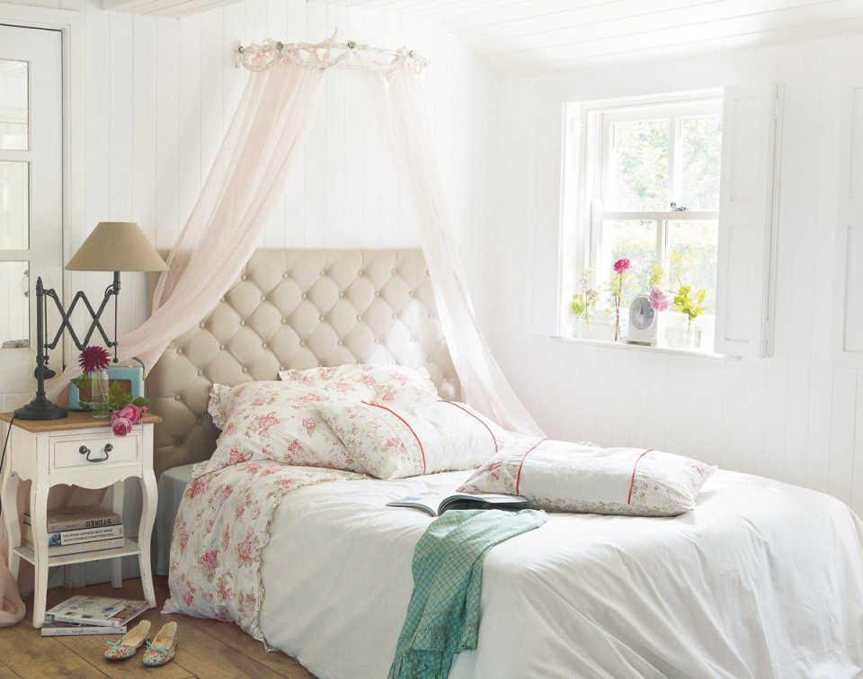Кровать – важный элемент интерьера спальни