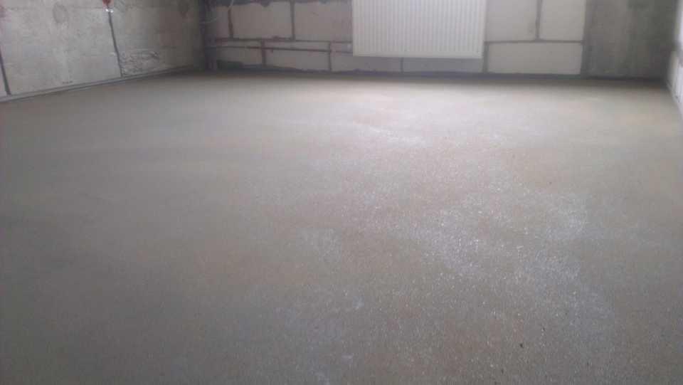 Как правильно утеплять бетонный пол?