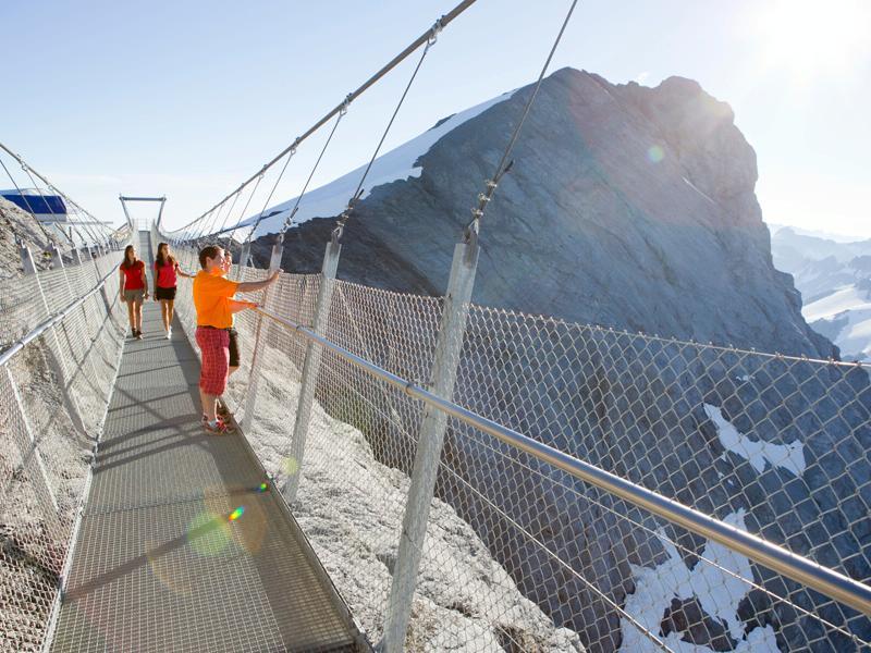 Titlis Cliff Walk — самый высокий подвесной мост в мире