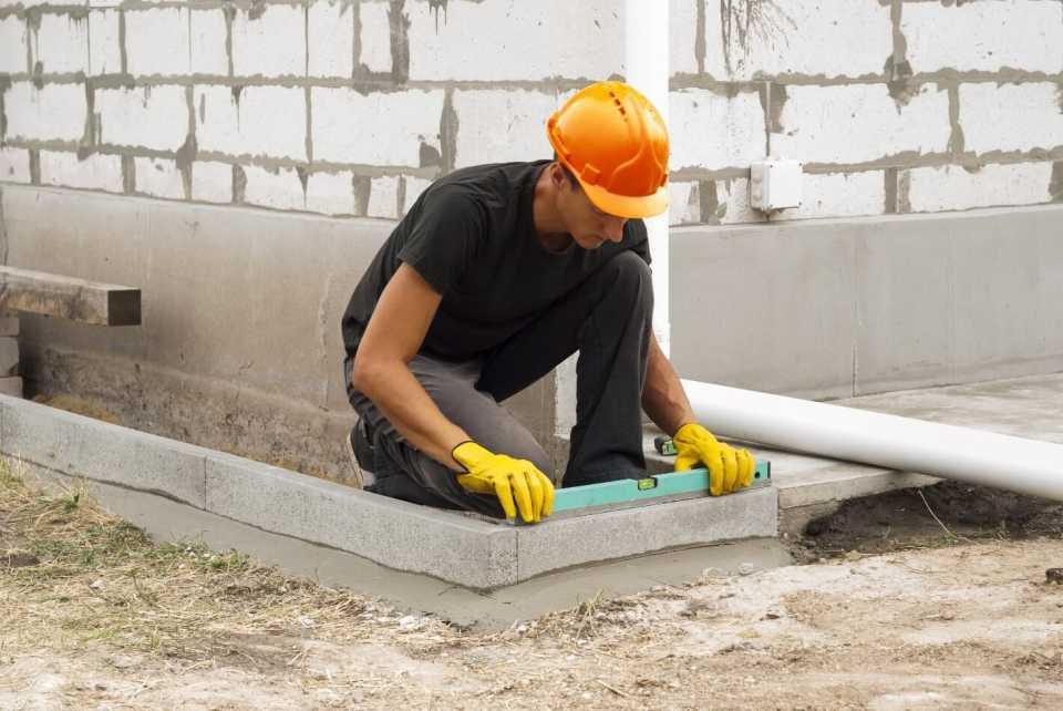 Как рассчитать количество бетона для заливки ленточного фундамента