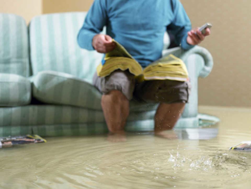 Что делать, если квартиру затопили соседи сверху?