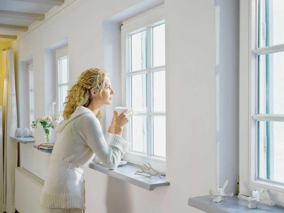 Окна из металлопластика: почему разная цена у похожих окон?