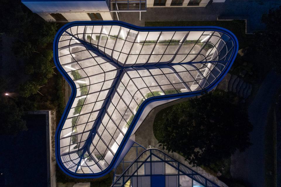 Пергола гольф-клуба Nine Bridges / JOHO Architecture