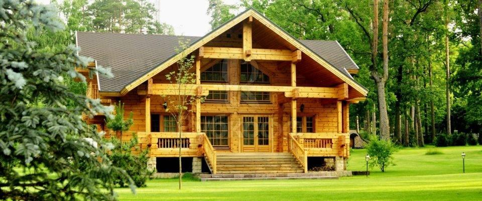 Дома из профилированного бруса: особенности и преимущества