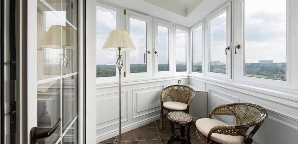 Виды остекления балкона. Отличия пластиковых балконных рам от алюминиевых